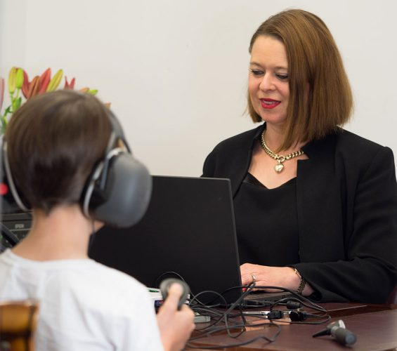 Testing-hearing-with-child